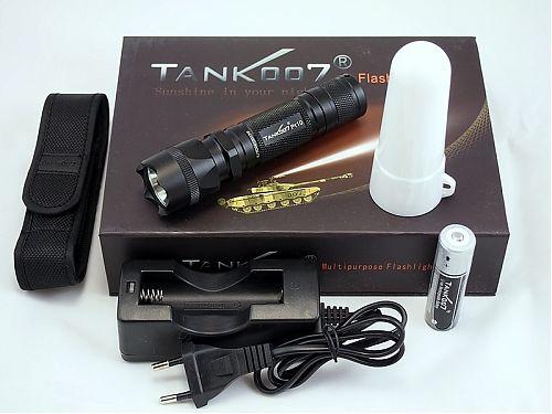Компактный тактический фонарь.Режим кемпинговой лампы