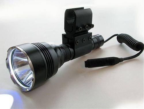 Дальнобойный тактический фонарь с возможностью установки под ствол