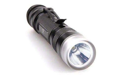 Карманный фонарик 2 в 1: направленный и рассеянный свет в одном корпусе