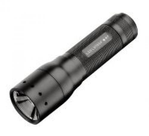 Яркий компактный подствольный фонарь c изменяемой фокусировкой луча